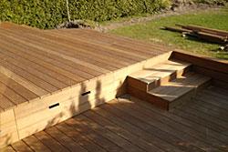 Wir Planen Und Errichten Zäune, Begrenzungen Oder Pergolen Und Verleihen  Ihrem Grundstück Tiefe Und Struktur. Auch Unterstände Für Fahrräder, Holz,